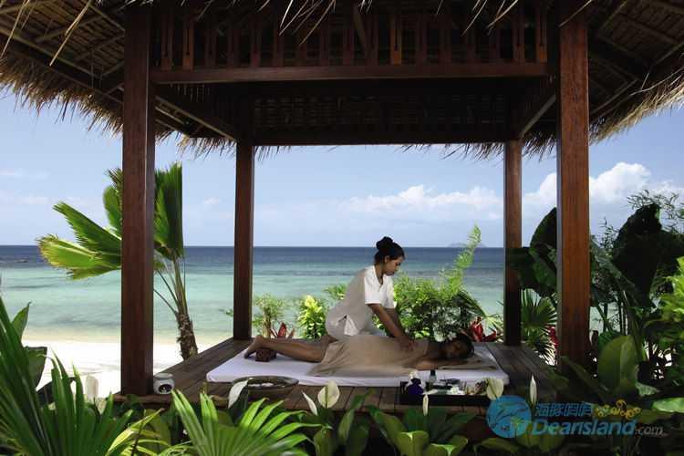纳帕塞酒店坐落于泰国苏梅岛的纳帕塞酒店位于泰国苏梅岛湄南海滩北部